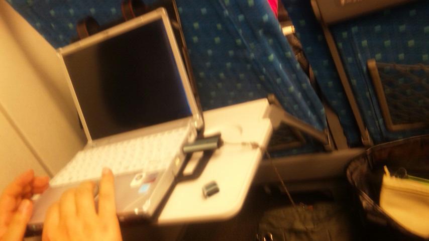 今時の新幹線。